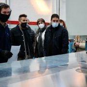 Damián Sala visitó Friotécnica, que amplía su producción industrial con el armado de heladeras vitrina mostrador