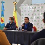 Andrés Watson en acto de entrega de créditos a cooperativas varelenses: «Las cooperativas tienen un rol trascendental como motor de un crecimiento individual para una expansión colectiva»